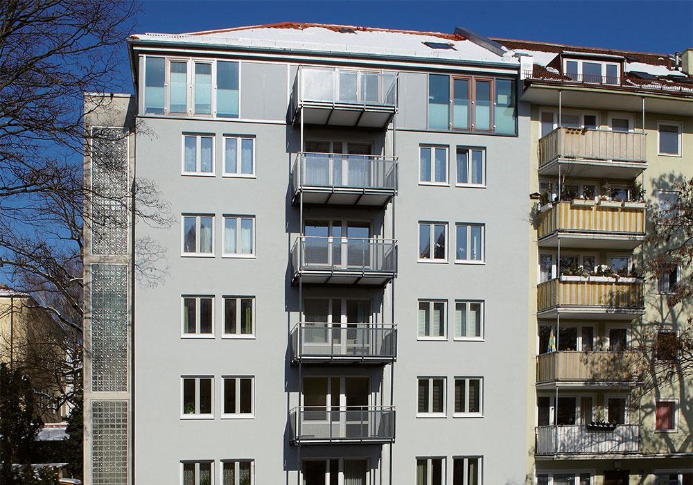 Muenchen_Adalbertstr.-Gesamtansicht, energetische Sanierung und Dachgeschossausbau in 2009, MACON Bau GmbH Magdeburg