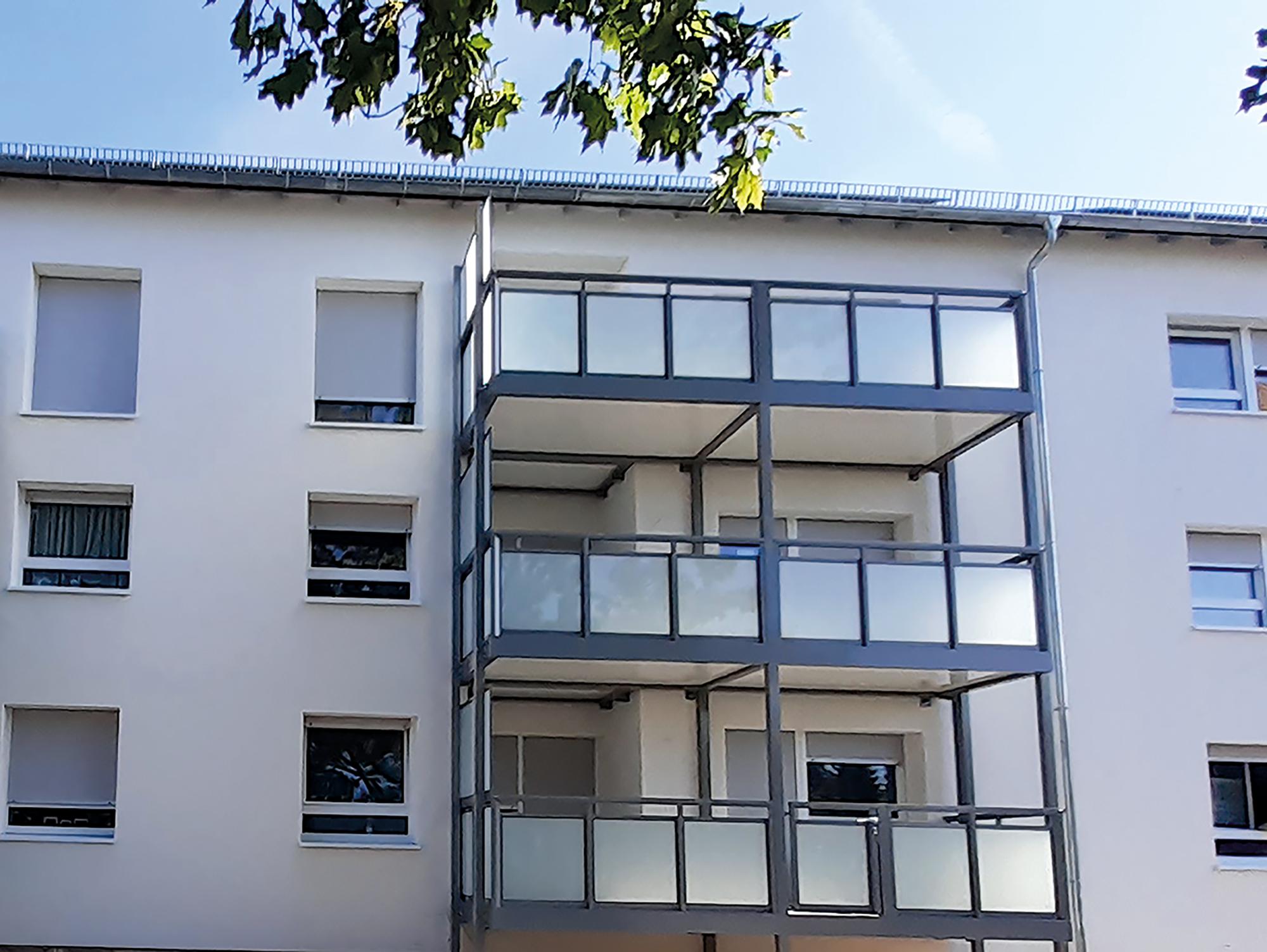 Komplettsanierung in Rüsselsheim, Im Reis / Spessartring, Balkonanlage, MACON BAU GmbH Magdeburg