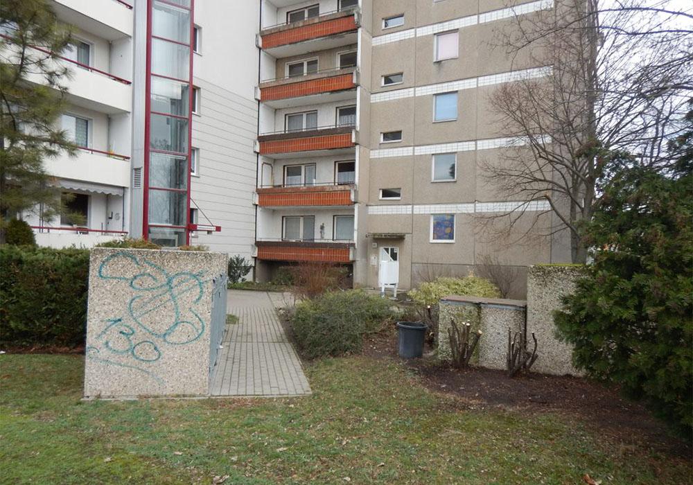 MD Rathmannstr. 21 Hauseingang vor Sanierung durch die MACON BAU GmbH Magdeburg