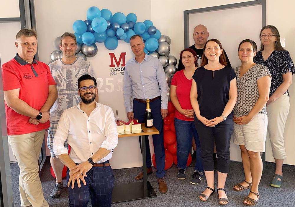 Magdeburger Mitarbeiter beim 25. Jubiläum der MACON BAU GmbH Magdeburg